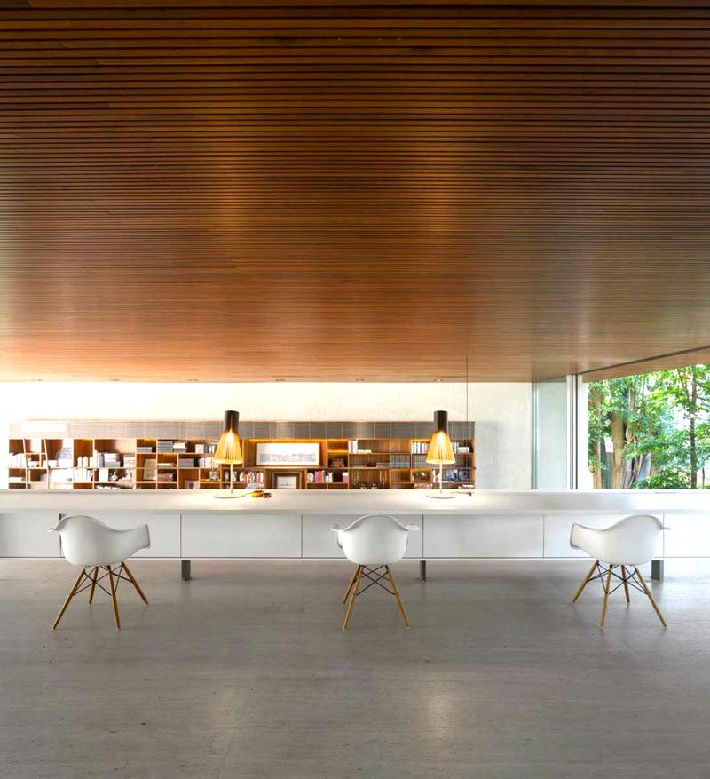 Nhà thêm ấm áp với trần bằng gỗ
