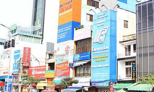 Săn nhà phố Sài Gòn để cho thuê quảng cáo