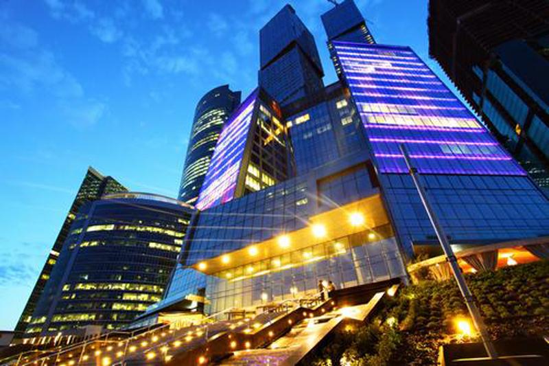 Giá thuê bất động sản cao cấp toàn cầu suy giảm do bất ổn chính trị