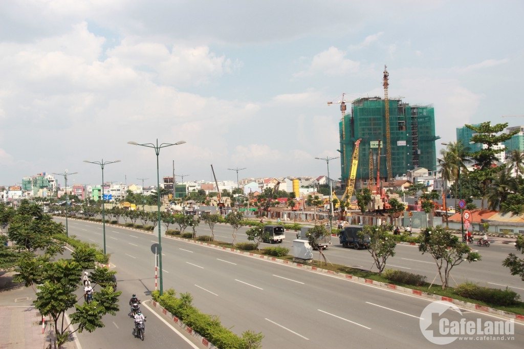 Ai là chủ nhân của dự án đang gây sốt trên đại lộ đẹp nhất Sài Gòn?
