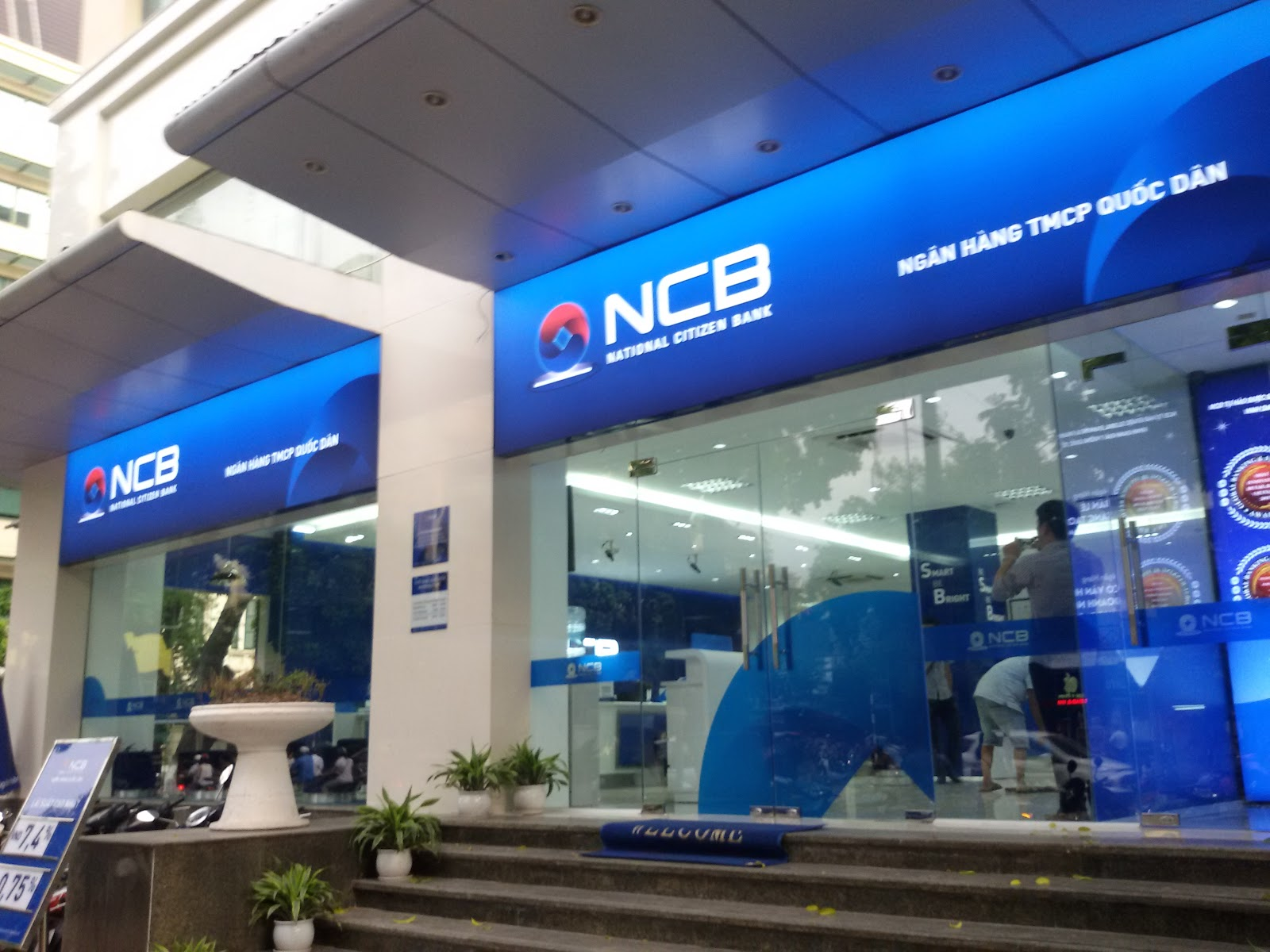 NCB xiết nợ Hữu Liên Á Châu