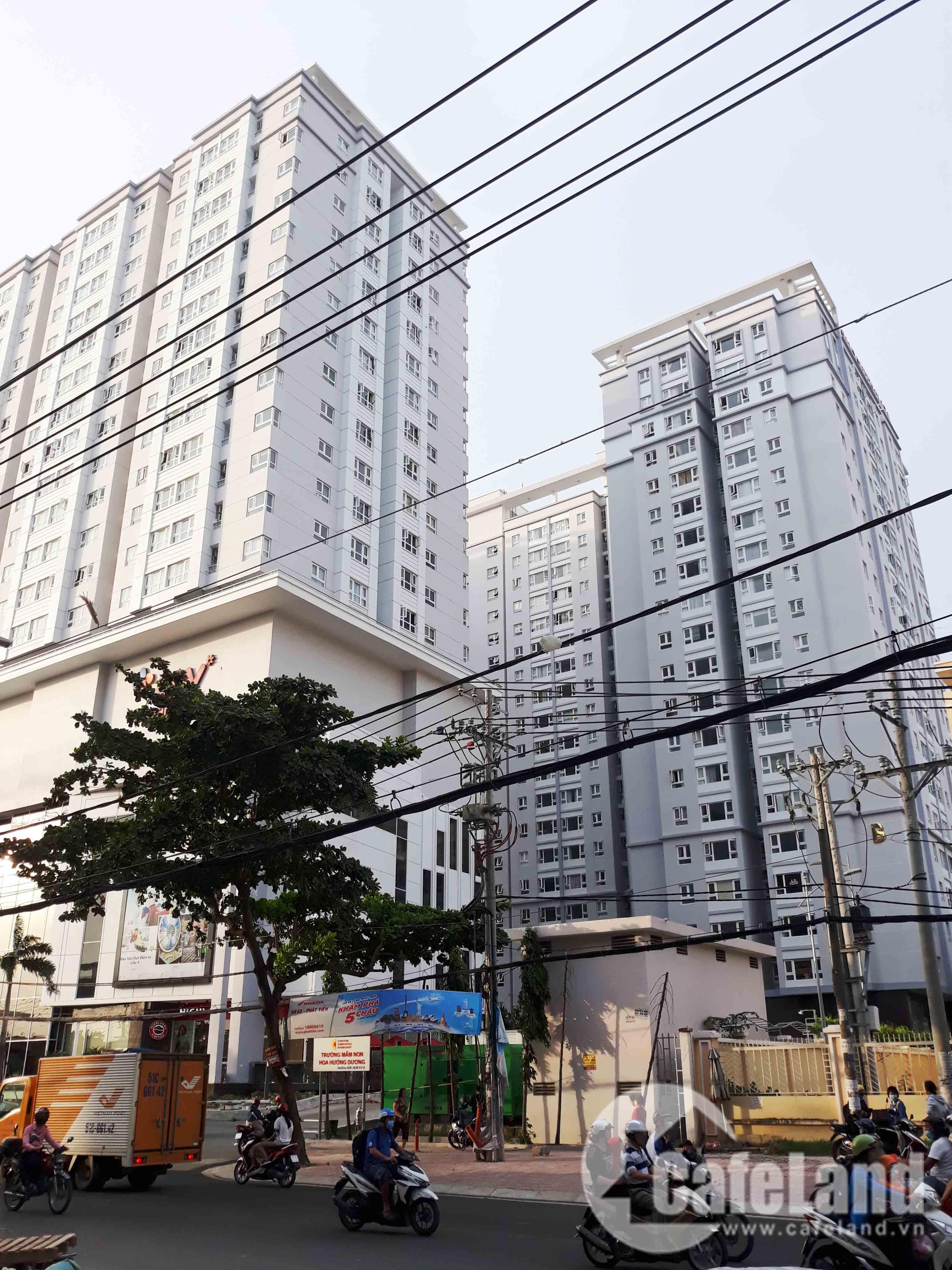 Cư dân Saigonres Plaza bức xúc chuyện phí quản lý