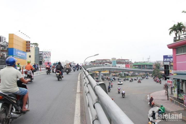 Đầu tư lớn cho hạ tầng giao thông vừa là thách thức vừa là cơ hội
