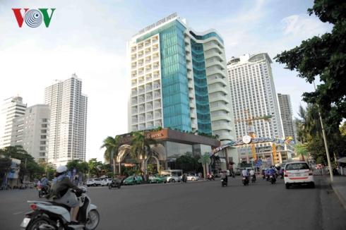 Du lịch Khánh Hòa: Thừa nơi ngủ, thiếu chỗ chơi