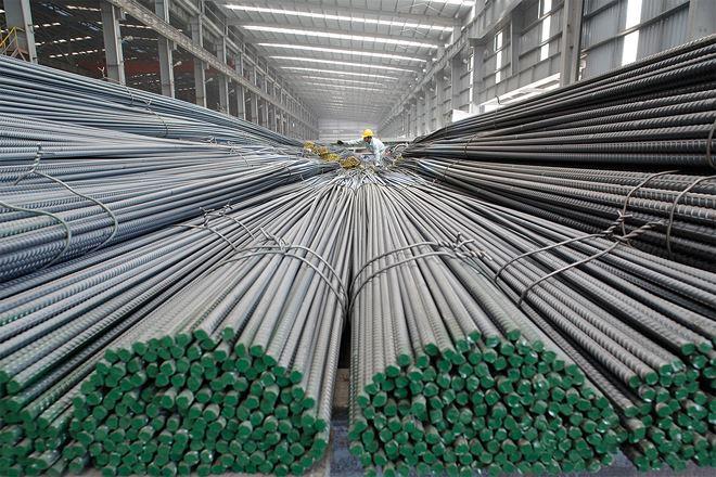 4 tháng, sản xuất và tiêu thụ sắt thép tăng mạnh