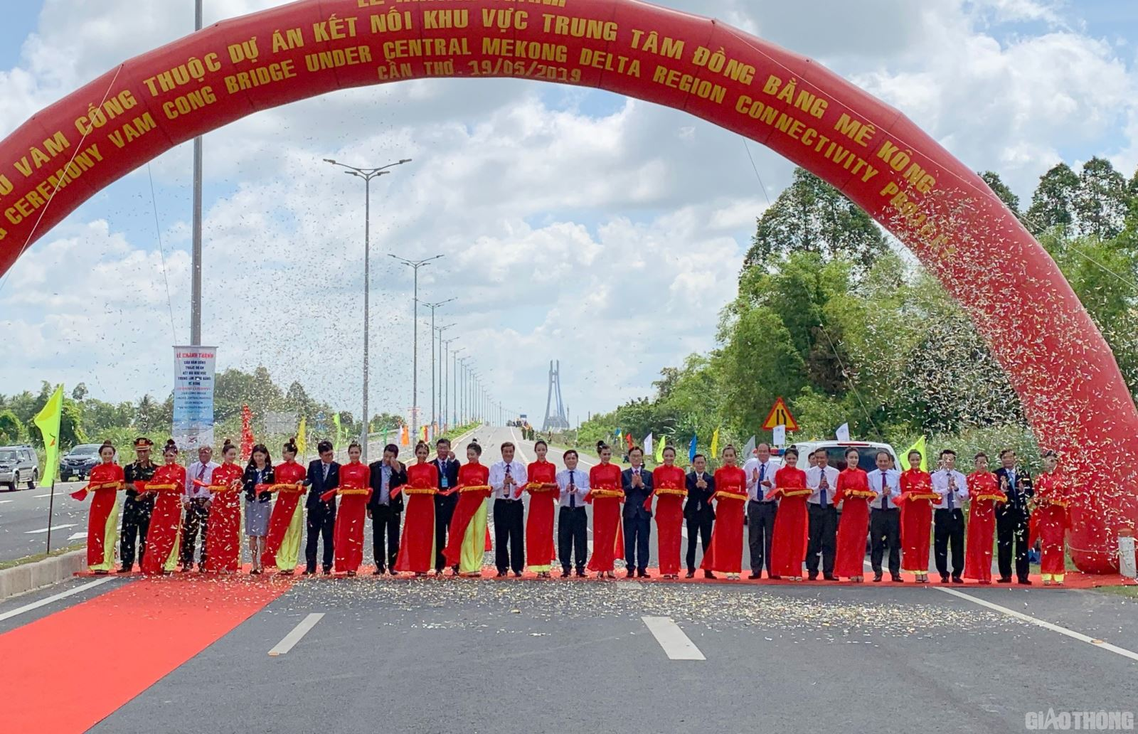 hình ảnh thông xe cầu vàm cống 19/5/2019