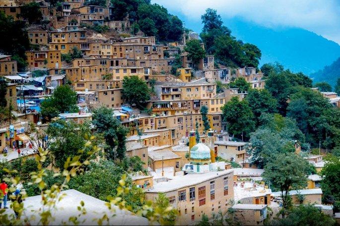 Kiến trúc 'nhà không mái' cực độc lạ trong ngôi làng cổ