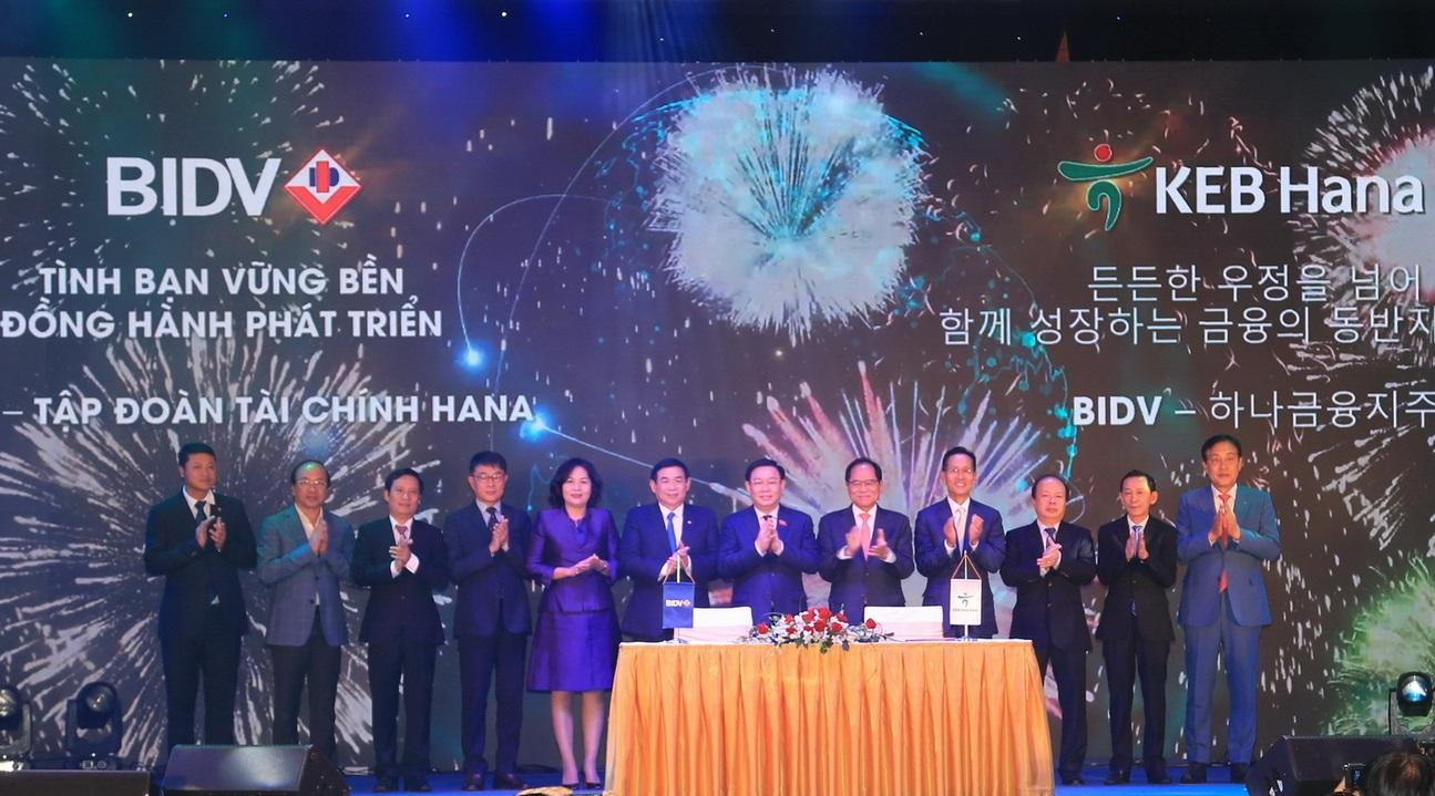 KEB Hana Bank rót hơn 20 nghìn tỷ đồng vào BIDV bidvkn 1573564060