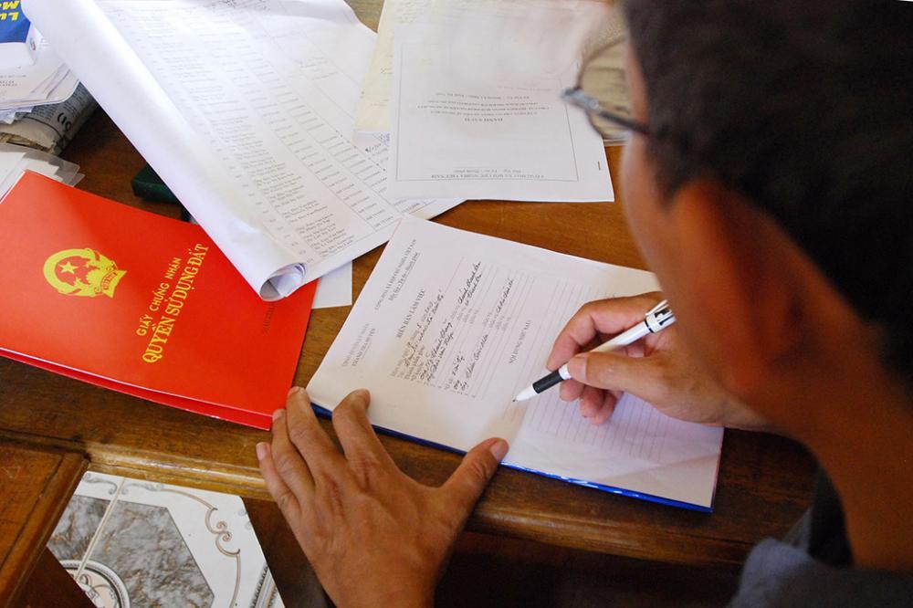 Các loại thuế phí phải nộp khi làm sổ đỏ theo quy định mới nhất