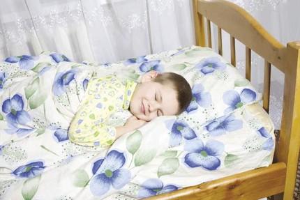 em be 1 1362147809 Bài trí phong thủy cho các bé nhà bạn luôn có giấc ngủ ngon