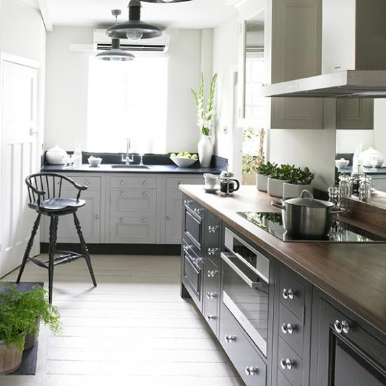 Sàn gỗ cho nhà bếp: Mộc mạc mà sang trọng