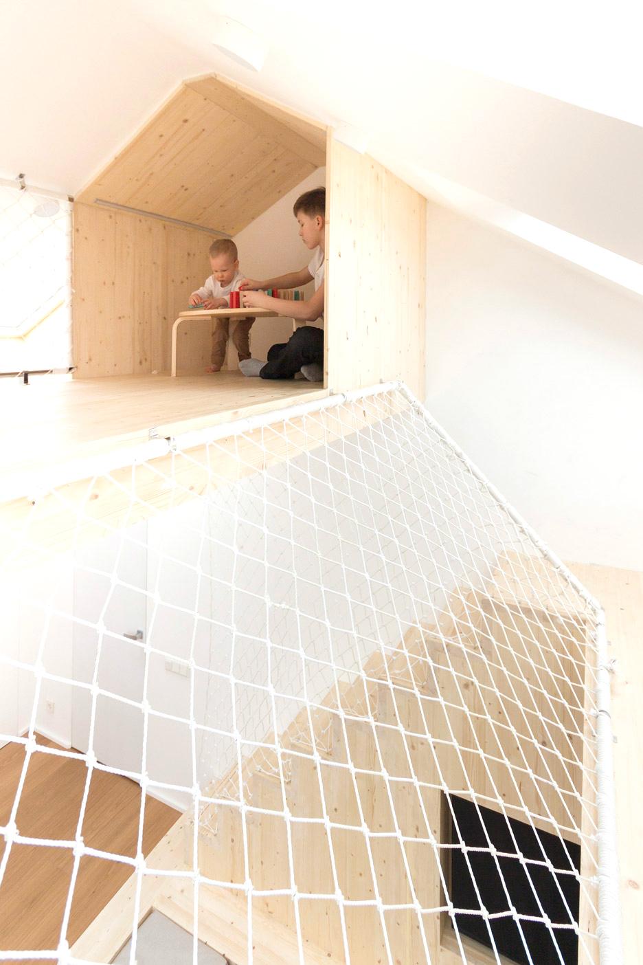 Ấn tượng với sân chơi trong phòng ngủ của ngôi nhà tại Nga