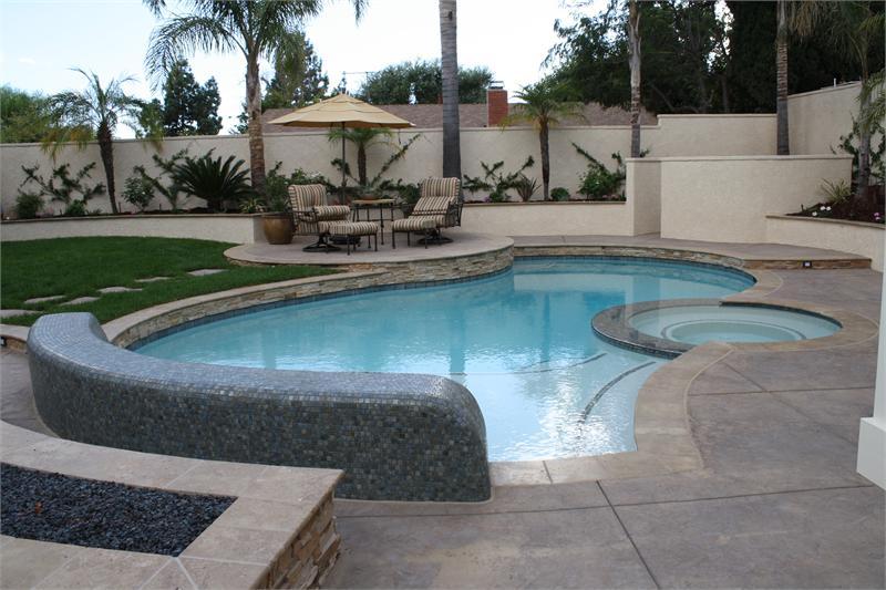 Những bể bơi phong cách giúp nhà đẹp hơn