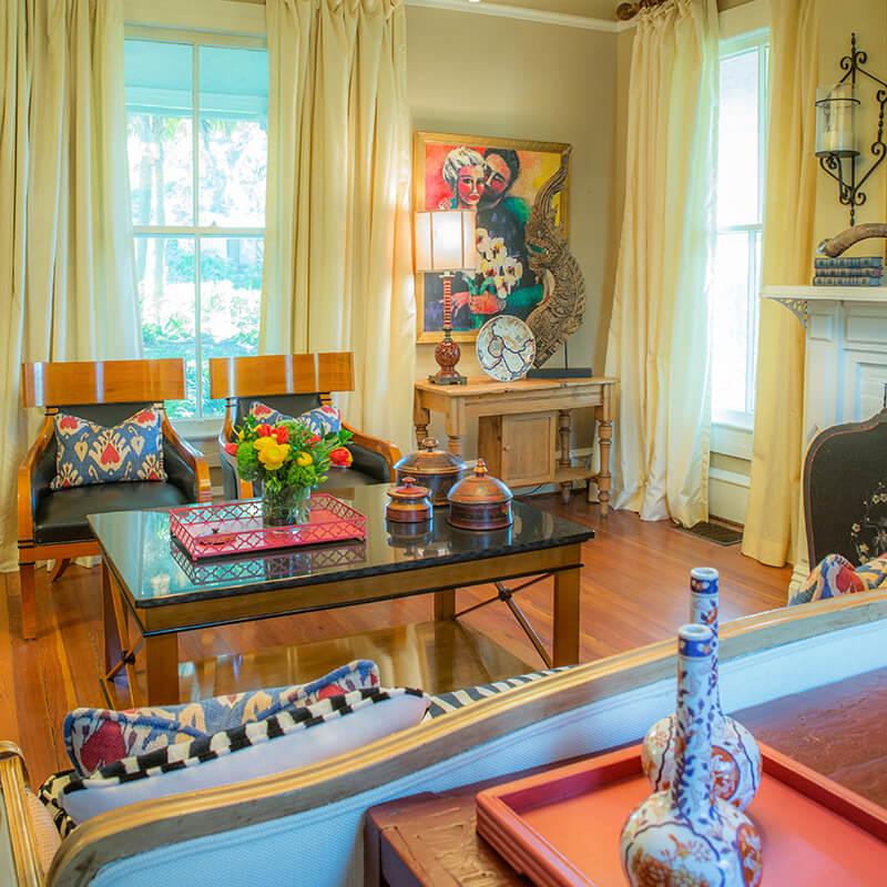 Nhà đẹp với nội thất kỳ dị và cảm hứng cổ điển