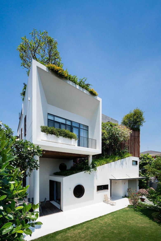2 1535553895 - Căn biệt thự có hình khối đặc biệt cực đẹp ở Đà Nẵng