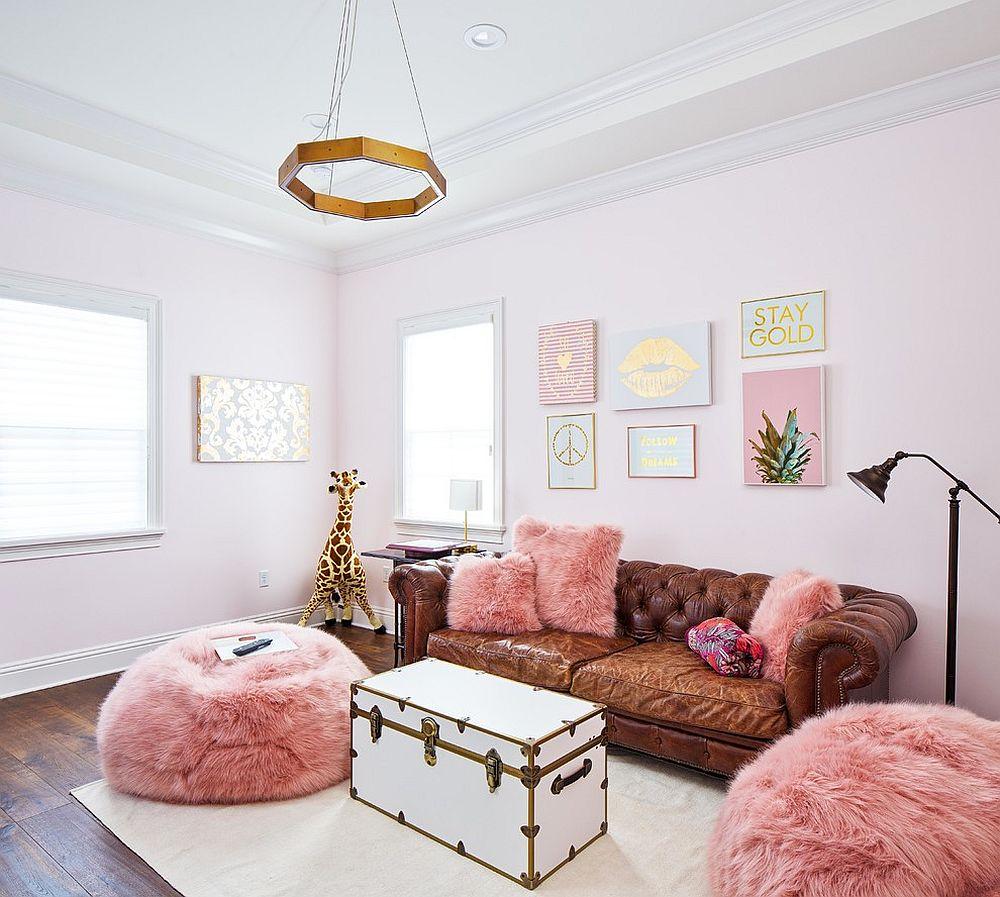 Sáng tạo bất ngờ cho phòng khách màu hồng