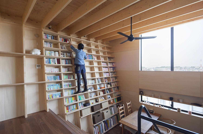 Không gian sống mới lạ với thiết kế giá sách