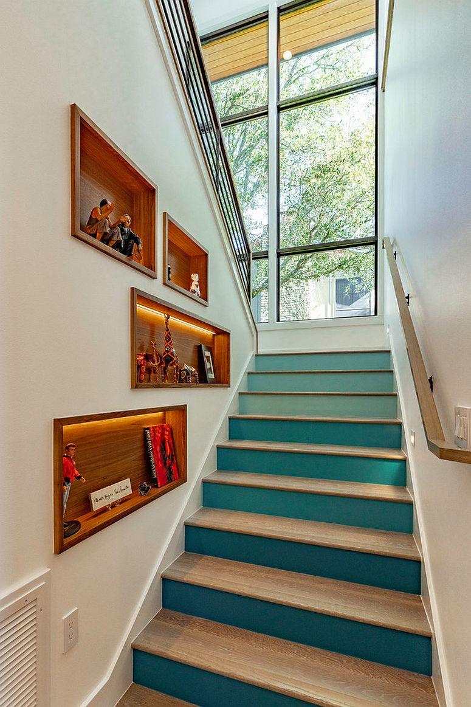 Tận dụng không gian tuyệt vời dưới cầu thang