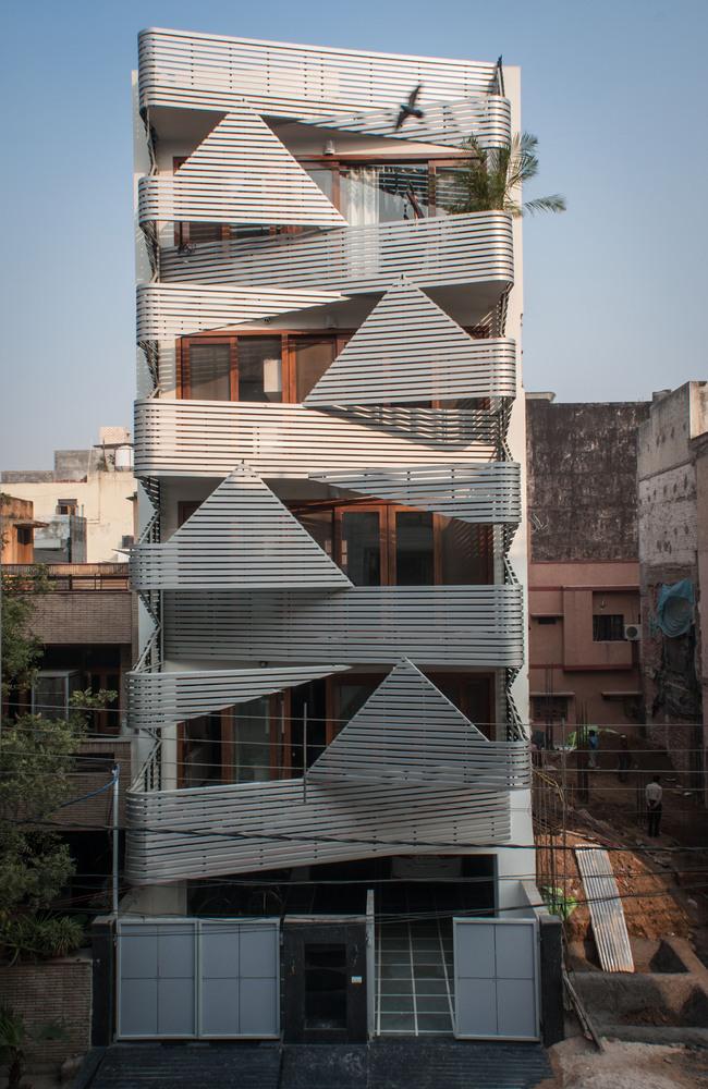 Ngạc nhiên căn hộ khoác lớp áo thép sole kỳ quái tại Ấn Độ