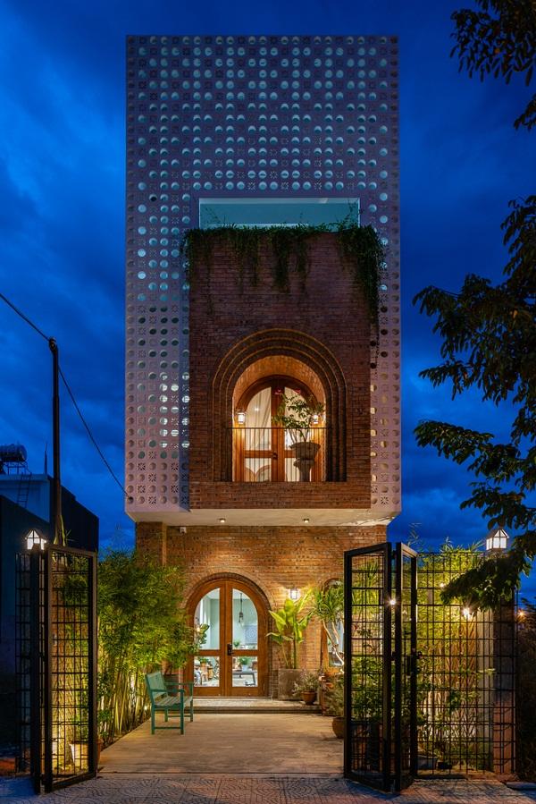 Ngôi nhà hiện đại tại Hòa Xuân nổi bật trên báo Mỹ