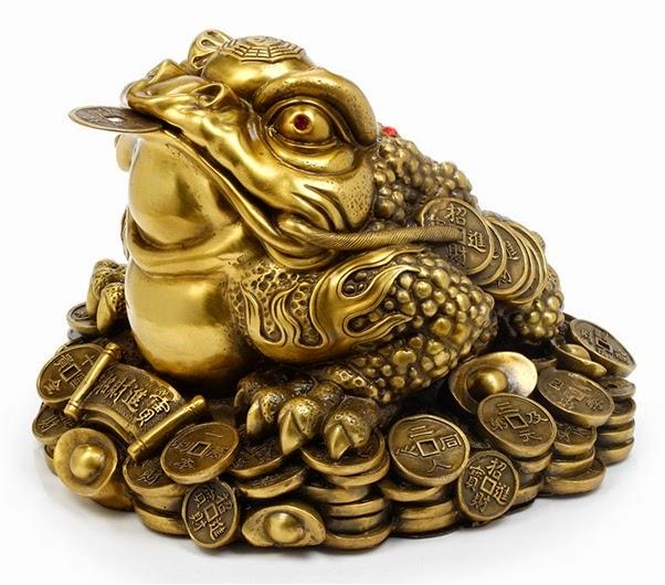 Cóc ngậm đồng tiền cũng mang ý nghĩa cầu tài giống như tỳ hưu