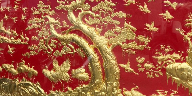 Tranh tùng hạc diên niên dát vàng