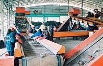 Sản xuất gạch từ rác thải nhựa, túi nilon được ưu đãi thế nào?