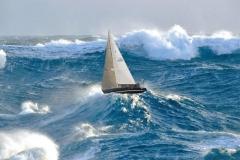 Dẫu thấy sóng cả vẫn vững tay chèo