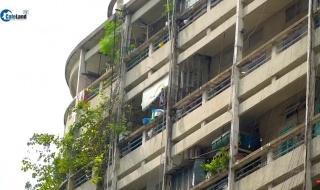 Hiểm họa từ những lan can ở các chung cư cao tầng