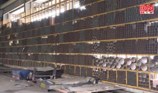 """Cửa hàng vật liệu xây dựng gặp khó vì """"bão giá"""""""