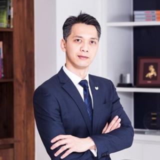 Ông Trần Hùng Huy