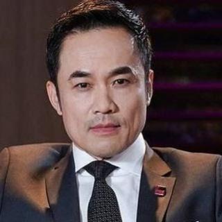Ông Nguyễn Thế Lữ - Louis Nguyen