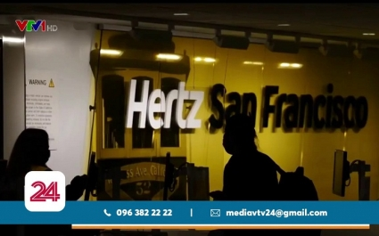 Dịch vụ thuê xe Hertz phá sản vì...hàng không?