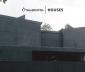 Ngôi nhà mái nghiêng có màu đen tuyền kỳ lạ