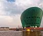 Ngắm bảo tàng khoa học hình con tàu màu ngọc bích ở Hà Lan