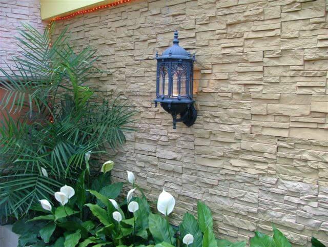 Nên lựa chọn đá tự nhiên hay đá nhân tạo để trang trí nhà?