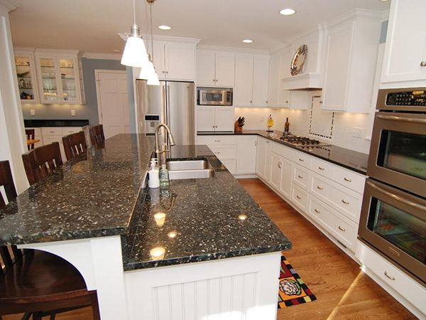 Mẫu đá ốp bếp granite hiện đại cao cấp