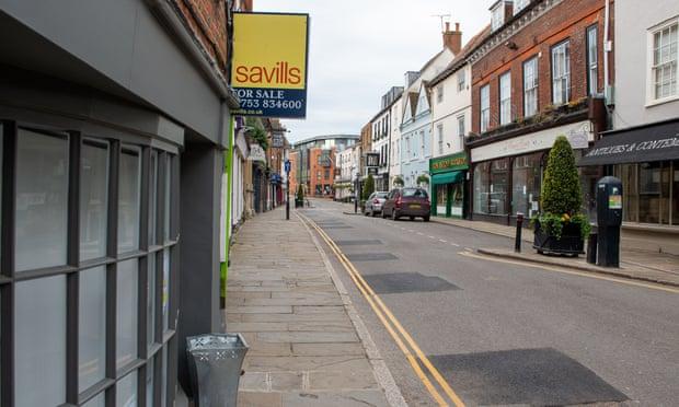 Dự báo giá nhà tại Anh sẽ giảm 13% trong năm nay
