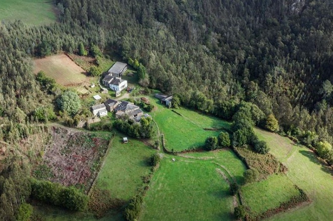 Những ngôi làng, thị trấn đang được rao bán, có nơi dưới 300.000 USD