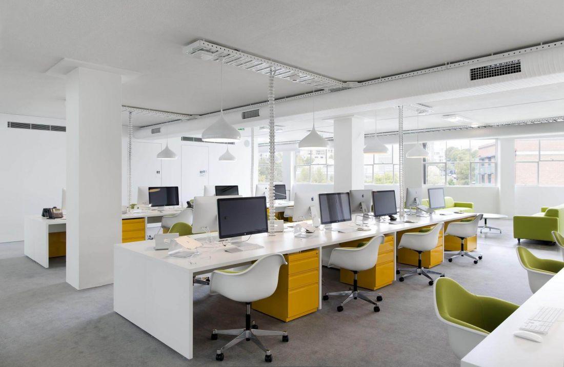 4 nguyên tắc sắp xếp bàn ghế trong văn phòng