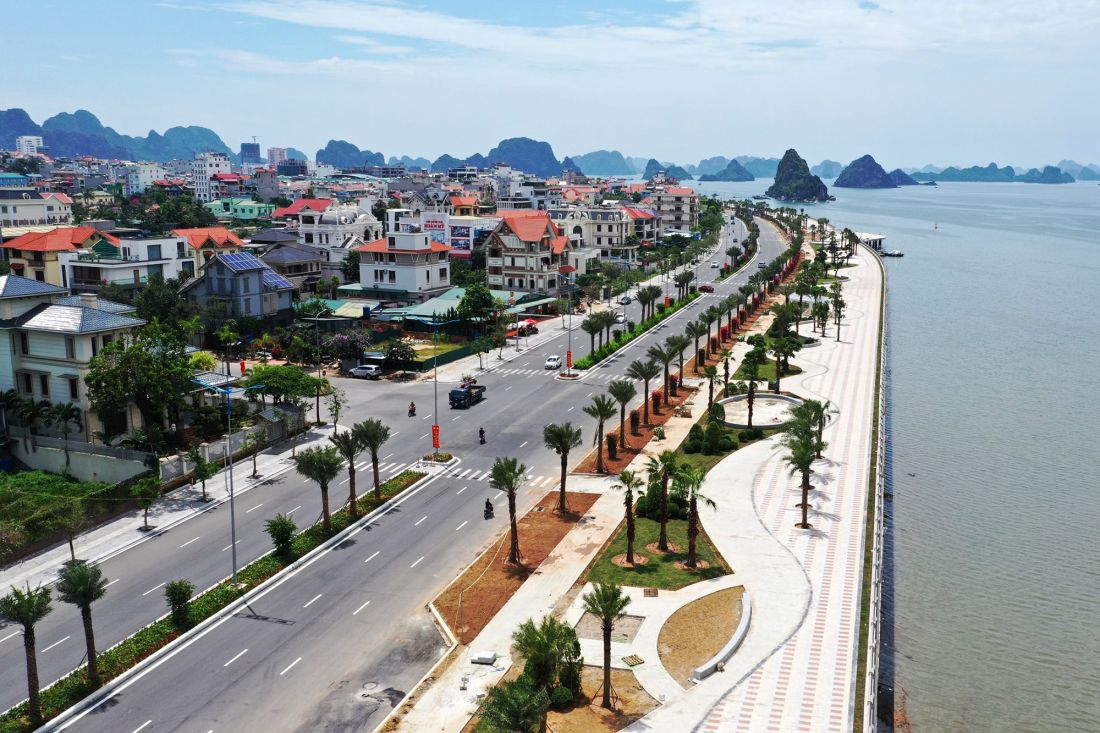 Đường bao biển Trần Quốc Nghiễn khánh thành tháng 5/2020 trở thành tuyến đường bao biển đẹp nhất Quảng Ninh hiện nay.