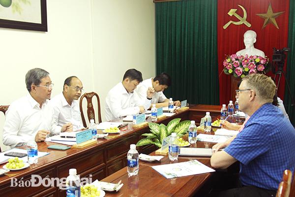 Phó chủ tịch UBND tỉnh Nguyễn Quốc Hùng tiếp và làm việc với đoàn công tác của Đại sứ quán Đan Mạch tại Việt Nam