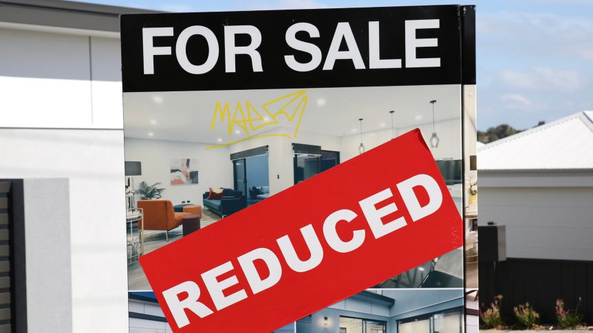Úc cân nhắc khả năng tạm dừng giao dịch bất động sản
