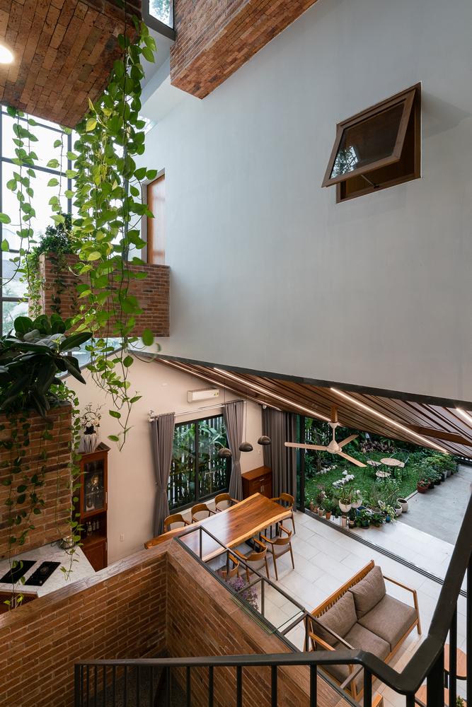 Khoảng vườn xanh mát trên mái nhà khiến báo Mỹ sững sờ