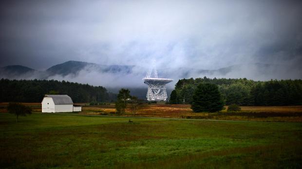 Hình ảnh một đài viễn vọng tại thị trấn Green Bank.