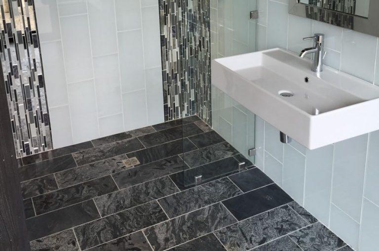 Gạch ốp nhà vệ sinh giả đá