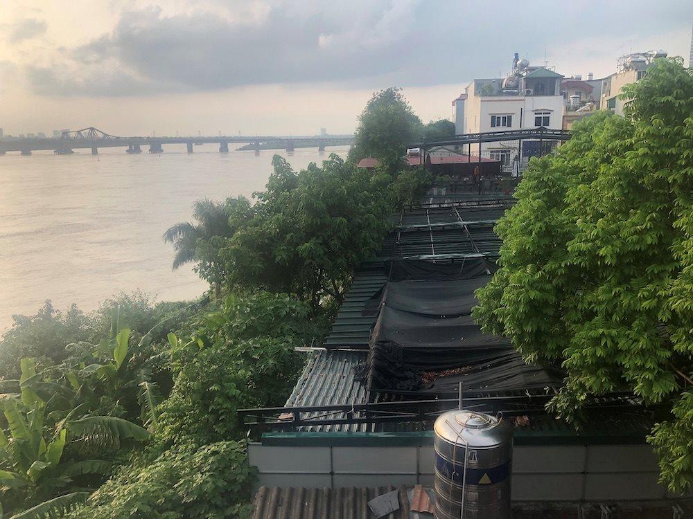 Nhà hàng Làng Bia Quán Mộc vẫn có thể triển khai xây dựng tại vị trí đất chỉ cách mép nước sông Hồng vài mét