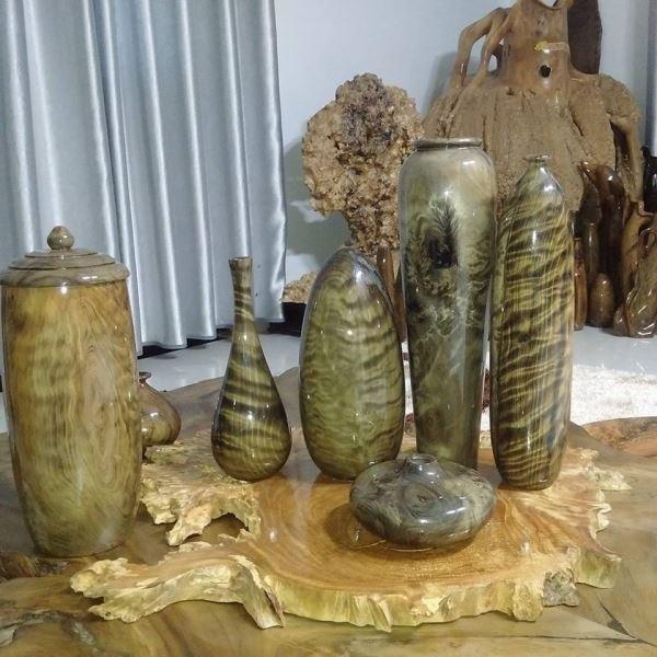 Đồ mỹ nghệ, trang trí tinh xảo, vân độc đáo từ gỗ thủy tùng