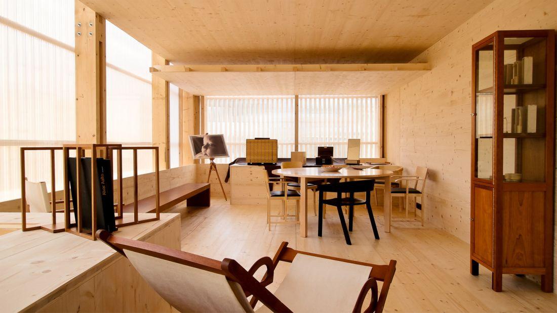 Nhựa polycarbonate tạo ấn tượng độc đáo và độ bền cho các không gian nội thất