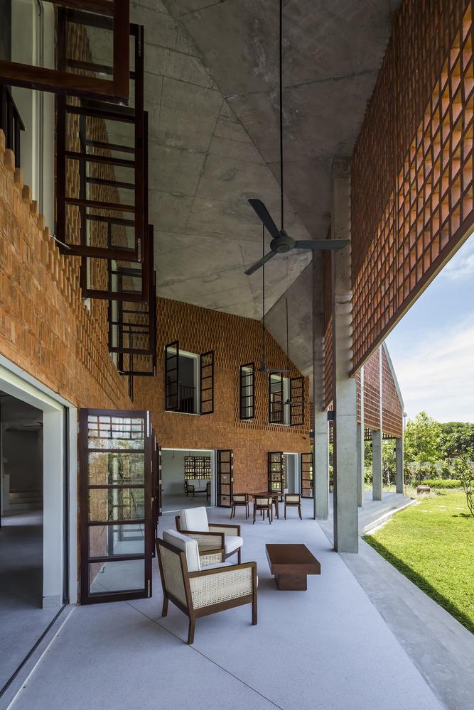Biệt thự 4 phòng ngủ nằm dài trên tràng cỏ ở Đà Nẵng